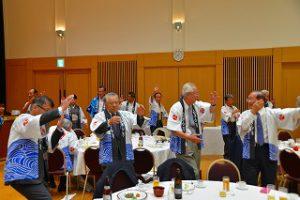 昨年の画像、副会長も運営委員も踊りの枠加わって踊ります。