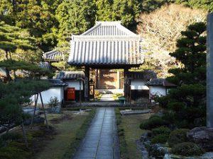 大池寺の正面です。
